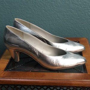 Shoes - Cappagallo Closed Toe Heel, Silver / Metallic